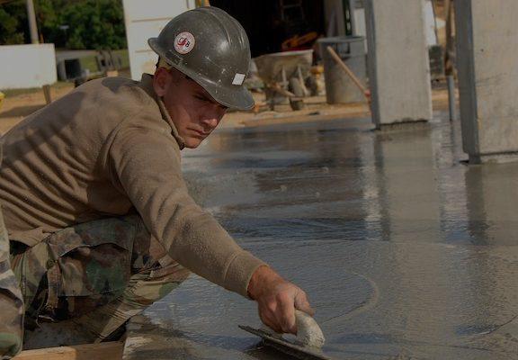 wylewanie betonu półsuchego , sprzedaż transport betonu półsuchego