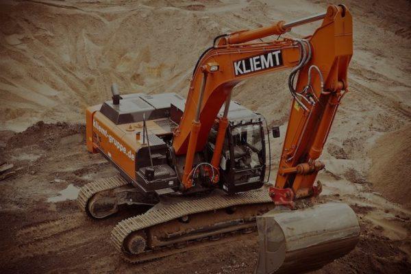 przygotowanie terenu pod budowę, usługi koparką