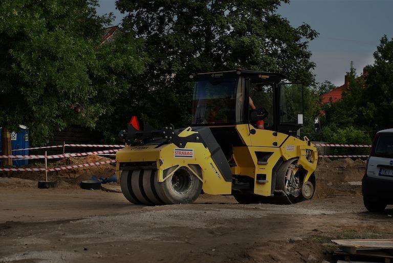 utwardzanie terenu pod budowę , utwardzanie terenu pod parkingi i drogi
